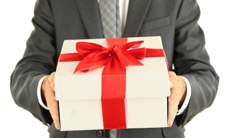 Cadeau Image cadeaux d'affaires, relation client et fiscalité : ce qu'il faut savoir